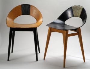 Krzesła - dwie wersje: z naturalnej i czarnej sklejki