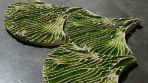 Indus - panele w kształcie liści, wypełnione substancją z alg